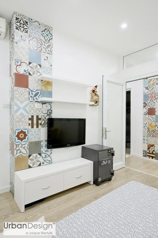 Phòng ngủ cũng sở hữu góc tường ốp gạch hoa.